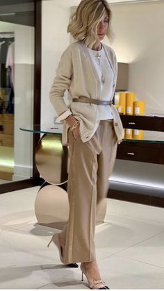 60 Fashion, Fashion Over 50, Office Fashion, Work Fashion, Autumn Fashion, Fashion Looks, Womens Fashion, Business Casual Outfits, Classy Outfits