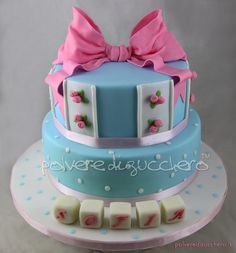 Torta in stile shabby chic per un battesimo Cake shabby chic style for a baptism