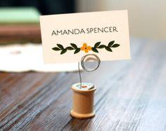 Porte fil bois VINTAGE wedding table numéro-bobine carte escort, stand photo, titulaire de la carte de l'endroit