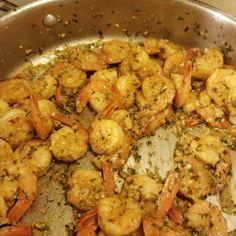 Heat olive oil in a heavy skillet over high heat until it just begins to smoke. Place shrimp in an even layer on the bottom of the pan and cook for 1 minute without stirring. Season shrimp with salt; cook and stir until shrimp begin to turn pink, about 1 minute. Stir in garlic and red pepper flakes; cook and stir 1 minute. Stir in lemon juice, caper brine, 1 1/2 teaspoon cold butter, and half the parsley. Garlic Shrimp, Grilled Shrimp, Shrimp Recipes Easy, Spicy Recipes, Ways To Cook Shrimp, Frozen Shrimp, Pot Roast, Parsley, Carne Asada