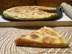 Focaccia veloce in padella My Favorite Food, Favorite Recipes, Bread Recipes, Cooking Recipes, Salad Cake, Savoury Baking, Italian Recipes, Food Inspiration, Food To Make