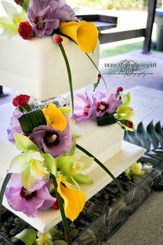 #Wedding #WeddingCake #DericoPhotography #HawaiianWedding @dericophoto