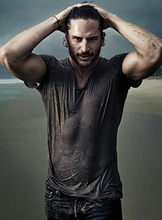 sexiest werewolf on TV - should be sexiest man alive! oh my shit