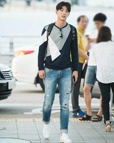 when will I ever meet you? Ji Soo Actor, Joon Hyuk, Korean Actors, Korean Idols, Weightlifting Fairy Kim Bok Joo, Kim Jisoo, Japanese Boy, Actor Jisoo, Actor Model