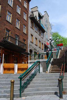 L'escalier casse-cou, dans le Quartier le Petit Champlain. Il est voisin du Funiculaire de Québec. Exploring Old Town Quebec City