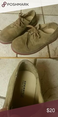Boys Sperrys 4.5 In great condition, worn a few times Size 4.5, boys  Open to offers Sperry Top-Sider Shoes Dress Shoes