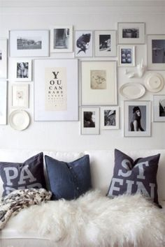 Looking for photo wall layout and frame inspiration.... this is nice #photowall