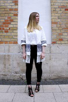 Boho Chic: Zara Fransen Kimono mit Lace Up Heels - Another Lovely Fashion Blog http://anotherlovelyfashionblog.de