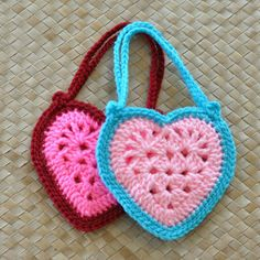 Granny Heart Super Star Crochet pattern by Island Style Crochet Crochet Shirt, Cute Crochet, Crochet Crafts, Crochet Yarn, Crochet Stitches, Crochet Quilt Pattern, Crochet Flower Patterns, Crochet Flowers, Crochet Ideas