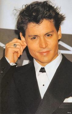 Johnny Depp: Ohhhhh the dirty things I would do to this man..... ;-)