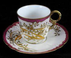 Superbe tasse en porcelaine de Limoges