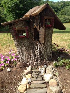 Gnome house from my grandma's cherry tree The beautiful garden design needs c. Gnome house from my Fairy Tree Houses, Fairy Garden Houses, Gnome Garden, Garden Cottage, Fairies Garden, Tree Stump Planter, Tree Stumps, Garden Arbor, Gnome House
