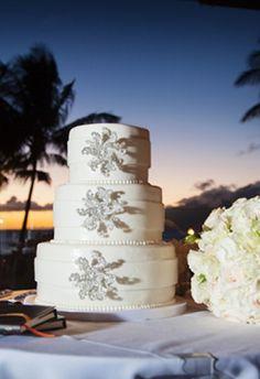 luxury wedding cakes by cake fanatics #GOWSRedesign