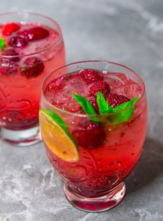 The Mojito has increased inside the scores to become possibly the most popular cocktails. Tonic Drink, Lime Drinks, Blackberry Wine, Great Recipes, Healthy Recipes, Zeina, Swedish Recipes, Sugar And Spice, Kitchens