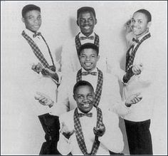 The Saucers were one of the few doo wop groups from Texas, a blues and R&B stronghold. They offered strong, beautiful lead vocals and harmonizing on ballads, uptempo and novelty tunes.  Singles : 1959 - Why Do I Dream? / Cha Wailey Routa (Felco 104) 1959 - Flossie Mae / Hi-Oom (Kick 100) 1964 - Hello Darling / Giggle Goo (Lynne 101)....