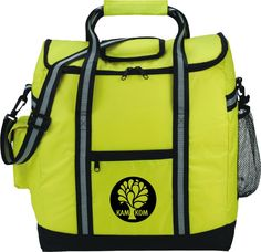 """PEVA insulation. Zippered main compartment. Zippered front pocket. Side mesh pocket. Side pocket with Velcro closure. Double 19"""" reinforced carry handles. Removable, adjustable shoulder strap."""