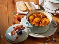 Karamellisiertes Krautfleisch Sauerkraut, Chana Masala, Chili, Ethnic Recipes, Tv, Stew, Fried Cabbage Recipes, Napa Cabbage, Meat