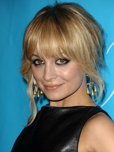 not here yet but just in case 7 Hairstyles For When You're Growing Out Bangs Hairstyles - How to Grow Out Bangs - Cosmopolitan