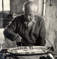Picasso painting ceramic, 1953. Photo by Edward Quinn.