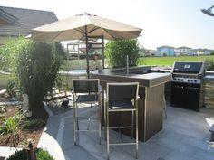 Grill Bar, Outdoor Furniture Sets, Outdoor Decor, Kitchen Island, Home Decor, Outdoor Bars, Island Kitchen, Homemade Home Decor, Decoration Home