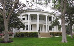 Historic Homes Tour, Victoria, TX - Where the 'old' money of Texas is