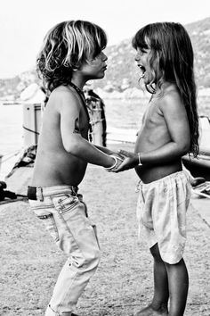 Black and white photography at the beach - *two cute! Kid Styles, Surfers, Beautiful Children, Little People, Belle Photo, Children Photography, Photography Women, Black And White Photography, Coachella