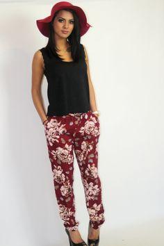 Red Rose Print Casual Pants.