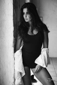 Katrina Kaif looks hot - bollywood celebrity Katrina Kaif Body, Katrina Kaif Navel, Katrina Kaif Hot Pics, Katrina Kaif Images, Katrina Kaif Photo, Katrina Kaif Wallpapers, Bollywood Girls, Indian Bollywood, Bollywood Celebrities