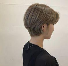 Androgynous Hair, Edgy Hair, Short Bob Hairstyles, Pretty Hairstyles, Cut My Hair, Hair Cuts, Shot Hair Styles, Medium Hair Styles, Natural Hair Styles