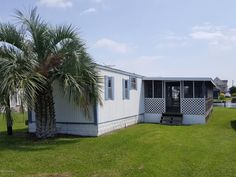 Property 4056 4th Street, Surf City , 28445 has 2 bedrooms, 1 bathrooms with 600 square feet.