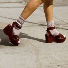 Don't get us wrong, we love the comfort of sneakers, but it's time for a new footwear style to take over our shoe closet. For 2017, designers are proposing sky-high platforms, like Proenza Schouler's spotted sandals and Gucci's lofty loafers embellished with studs.