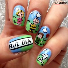 Hello sweethearts  Today is Children's Day in my home country Colombia  This is my solo shot of the collage we did with the nail artists from #LigaNailista team  All #handpainted with #nailpolish. I was inspired by a cake from @thecakinggirl Hope you like it. #NailsAnatomy #snoopy #charliebrown #peanuts by nailsanatomy