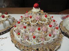 "Model ""wedding cake""! Bird Cakes, Wedding Cakes, Desserts, Model, Food, Wedding Gown Cakes, Tailgate Desserts, Deserts, Eten"