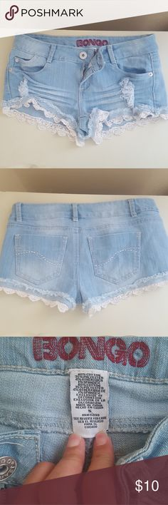 Short with crochet Very, very cute crochet shorts. Very good condition. Worn a few times. Jeans