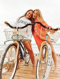 dm for credit! Cute Friend Pictures, Best Friend Pictures, Cute Photos, Friend Pics, Bff Pics, Best Friend Goals, My Best Friend, Best Friend Photography, Summer Goals