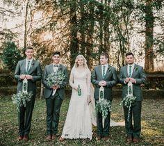 Emerald colour wedding. @Laura Jean Photography Emerald Colour, Life Pictures, Bridesmaid Dresses, Wedding Dresses, Real Life, Photography, Color, Fashion, Bridesmade Dresses