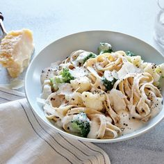 You Have Meals Poisoning More Normally Than You're Thinking That Cauliflower Alfredo Cooked Cauliflower Becomes Creamy And Luscious When Pureed With Stock And Garlic. It's A Simple Way To Healthier Fettuccine Alfredo. Fettucine Alfredo, Cooking Light Recipes, Alfredo Recipe, Alfredo Sauce, Cauliflower Recipes, Cheesy Cauliflower, Pasta Recipes, Dinner Recipes, Dinner Ideas