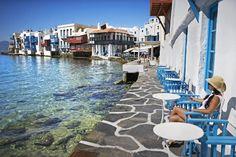 ♦ Outdoor cafe in Mykonos, Greece