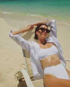 Top 5 Tips for a Successful Bikini Photo Shoot One Piece Swimwear, One Piece Swimsuit, Si Swimsuit, Beach Pink, Beach Ootd, Tankini, Trendy Swimwear, High Cut Bikini, Insta Look