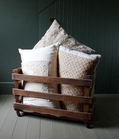 I am seriously obsessed with this rustic look recently!  Just love this.