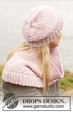 """Knitted DROPS hat and neck warmer in """"Karisma"""". ~ DROPS Design"""