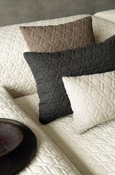 Pentru o personalitate puternică, recomandăm un decor pe măsură, alege Feroti Decor. Consultanta gratuita la Feroti Decor ✅ Programari vizite ShowRoom - 0740-952-559 www.feroti.ro ⭐️ #perdelesidraperii #perdele #draperii #ferotidecor #decoratiuniinterioare Showroom, Throw Pillows, Bed, Home, Toss Pillows, Cushions, Stream Bed, Ad Home, Decorative Pillows