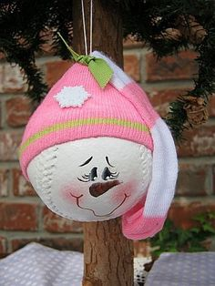 softball..SOCK Snowman ornament....@ Gina ( I love love love this, guess its the baseball mom in me..lol)