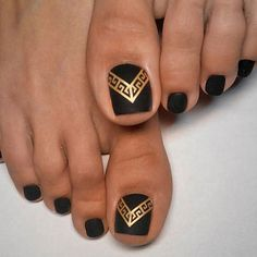 Easy to Do Toe Nail Art Design Ideas for 2019 Easy to Do Toe Nail Art Design Ideas for Simple Nail Art Designs, Nail Designs Spring, Toe Nail Designs, Easy Nail Art, Acrylic Toe Nails, Toe Nail Art, Nail Art Chic, Glitter Nail Paint, Mickey Mouse Nail Art