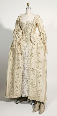 POTC: Dead Man's Chest; Elizabeth Swann wedding dress