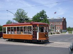 Fort Smith Light & Traction car #224  passes Judge Parker's  Courthouse (Fort Smith Historic District)