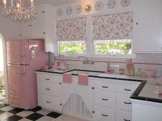 Retro pink kitchen by LJVanDeusen - WANT
