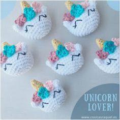 Ravelry: Broche Unicornio Amigurumi pattern by cosicas raquel Crochet Brooch, Crochet Diy, Crochet Amigurumi, Amigurumi Patterns, Crochet Crafts, Crochet Dolls, Crochet Projects, Knitting Patterns, Crochet Patterns