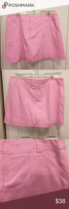 Lilly Pulitzer Skort This skort is in excellent condition. It is a unique material with an almost polo shirt weave. It has pockets and belt loops. Lilly Pulitzer Shorts Skorts