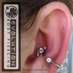 I love this custom bent jewelry and settings by (at Evolution Body Piercing) Conch Piercings, Unique Piercings, Cute Piercings, Body Piercings, Peircings, Piercing Tattoo, I Tattoo, Ear Jewelry, Body Jewelry